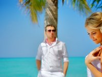 Свадебная церемония на пляже «эконом»